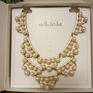 Stella and Dot Frances Pearl Statement Necklace